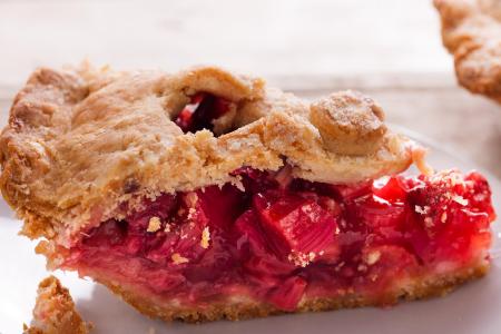 Home Baked Strawberry Rhubarb Pie